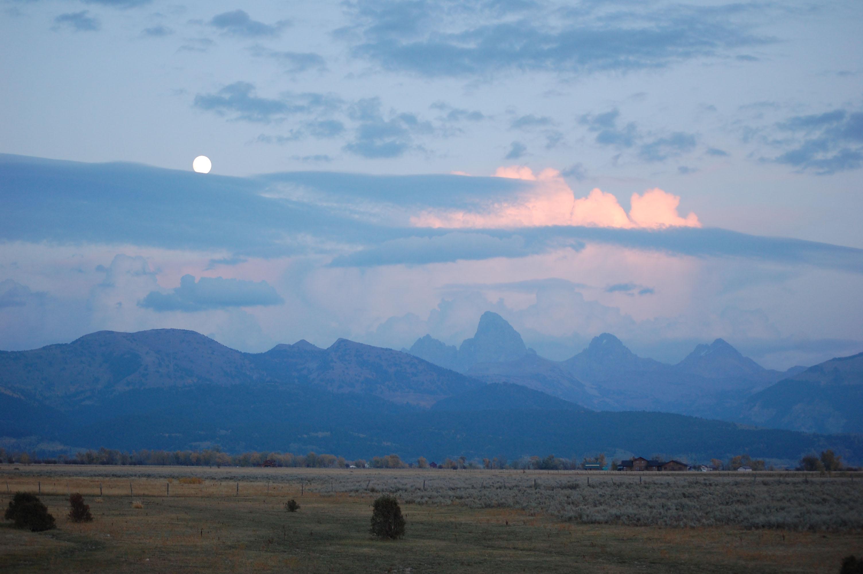 Moonrise over Tetons at WWS 2012 at Earthfire Insitute ©Rose De Dan www.reikishamanic.com